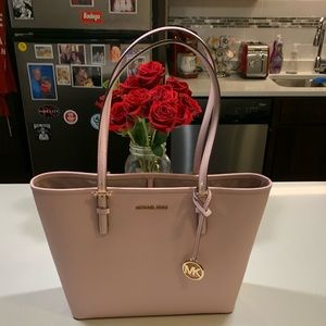 Michael Kors Jet Set Tote! Beautiful Blossom! NWT!